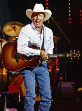 George Strait performs at Dallas Cowboys Stadium (June 2009)
