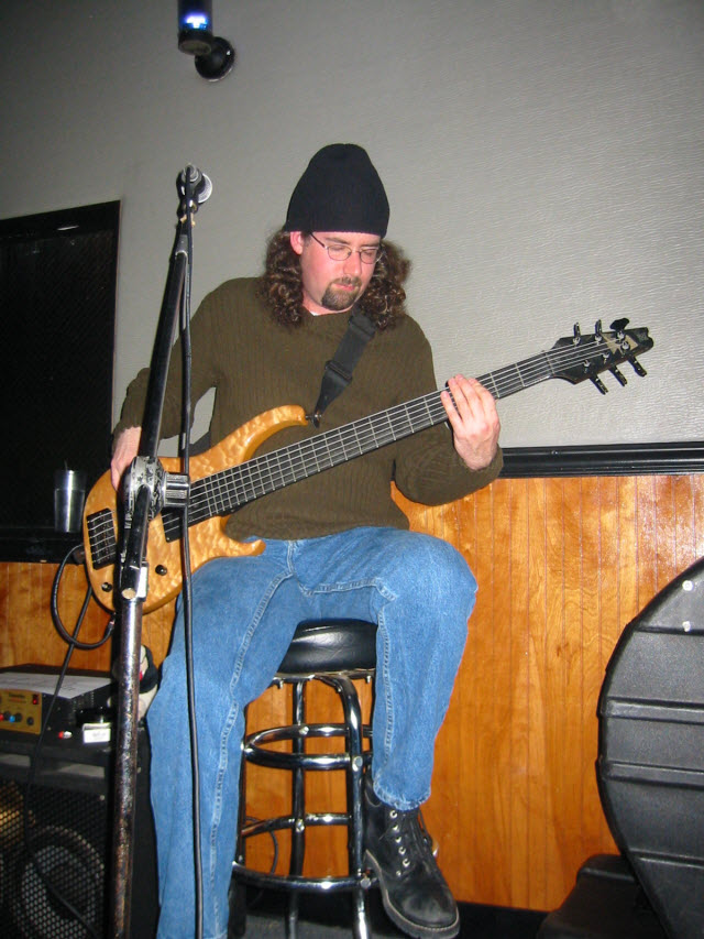 Jeremy Hull plays bass.